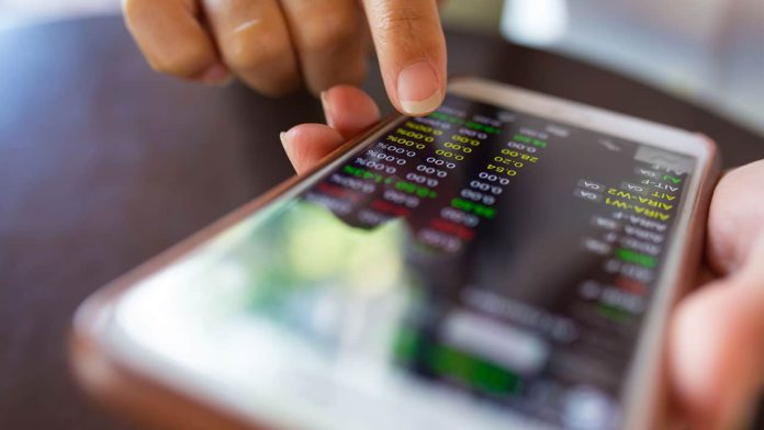 63 percent of smartphones have at least one financial app