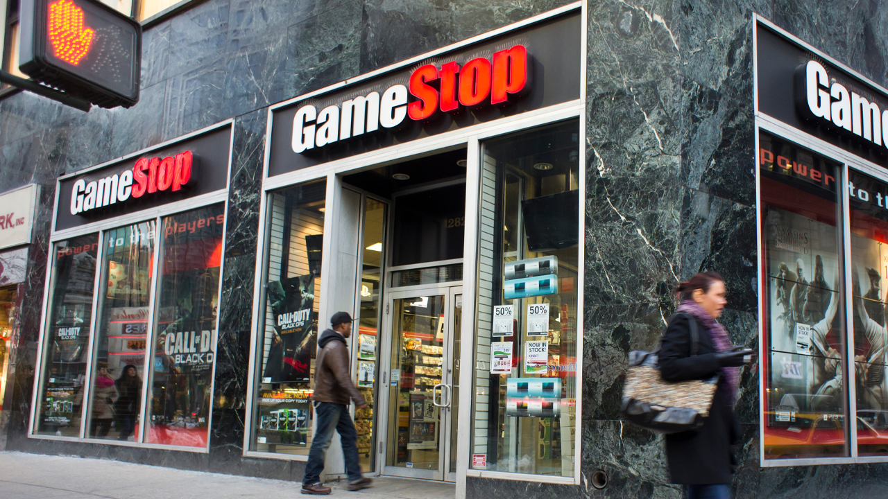 Gamestop Shares and Reddit Fueled Stocks Plummet, Crypto Fans Say Bitcoin Is the Only True Attack