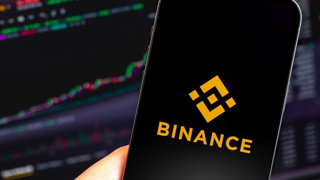 Crypto Exchange Binance Plans to Be Regulated Financial Institution, Seeks CEO With Strong Compliance Background