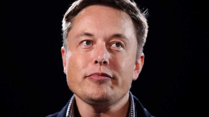 Musk Trolls Buffett With Fake Quote on Twitter Then Deletes