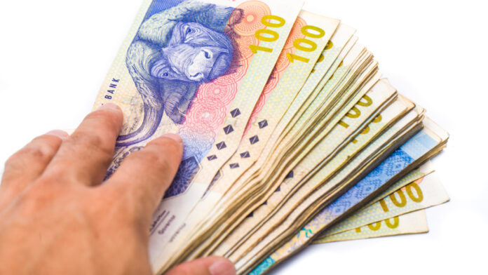South African Central Bank Warns Citizens Against Accepting Tainted Banknotes